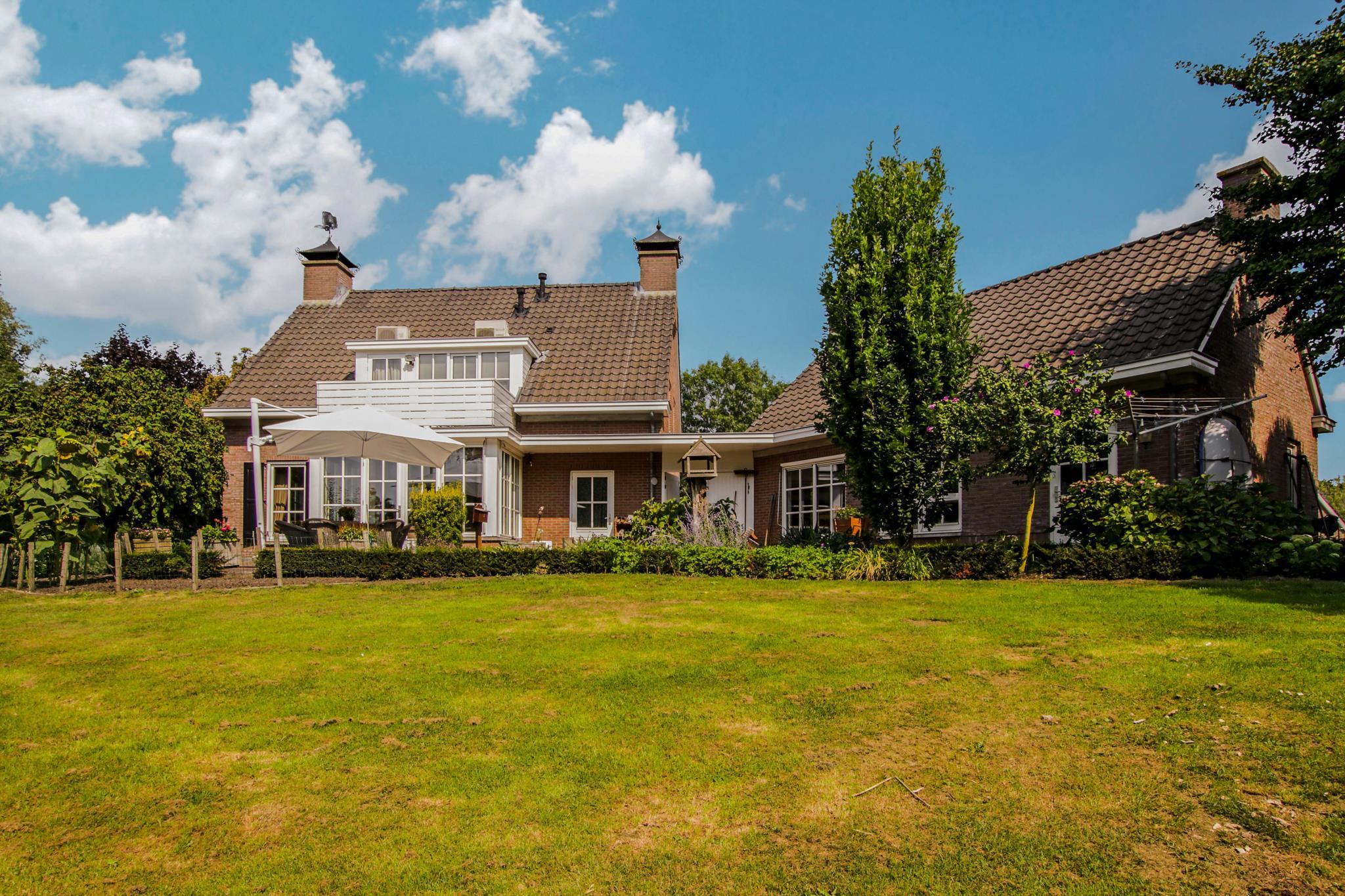 Villa in Heukelum