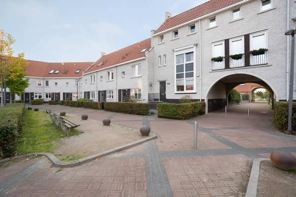 Rozenhof 108, Borne